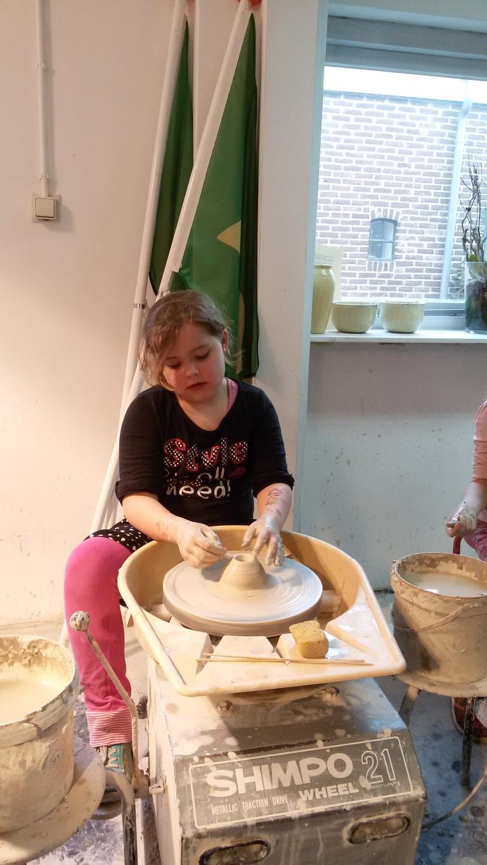draaischijf-pottenbakkerij-kinderen-drenthe